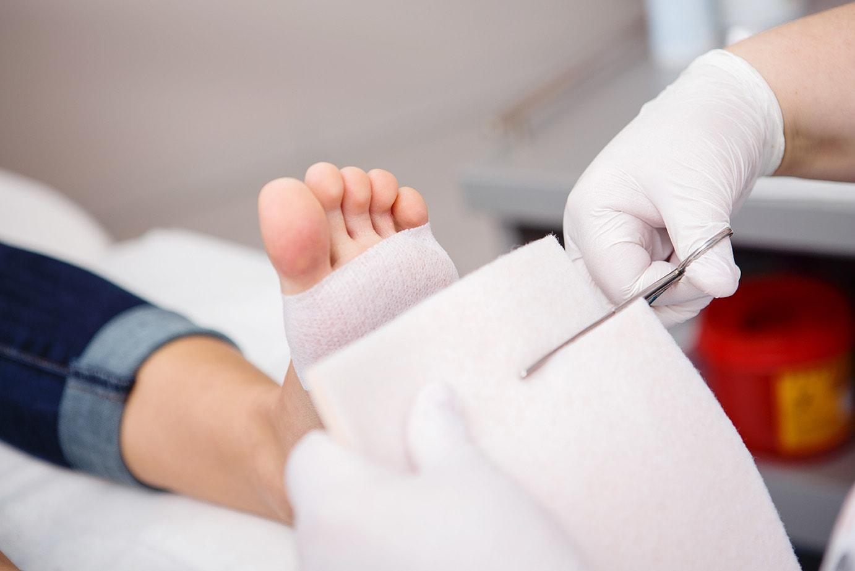 Podologische Druckentlastung und Orthesen